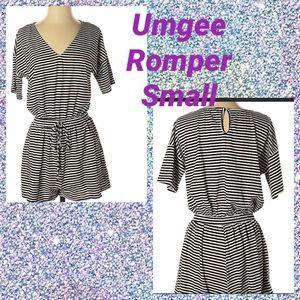 ⭐️🆕⭐️Umgee black and white romper